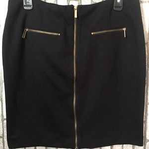 Black skirt with zippers